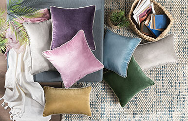 Lovel Velvet Decorative Pillow Yeşil