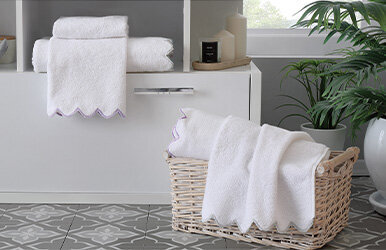 Celso Hand Towel Lila