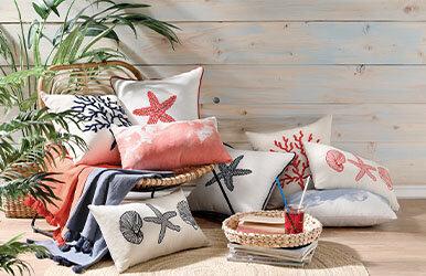 Corallo Nakışlı Dekoratif Yastık Lacivert